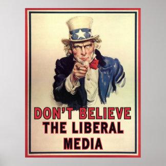 No crea los medios liberales póster
