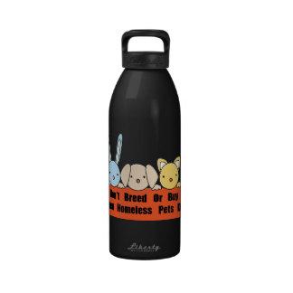 No críe ni compre botella de agua reutilizable
