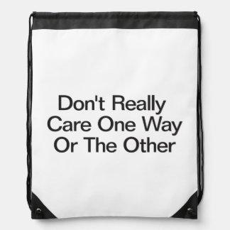 No cuide realmente de un modo u otro .ai mochilas