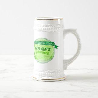 No elabore la cerveza de barril de la gente jarra de cerveza