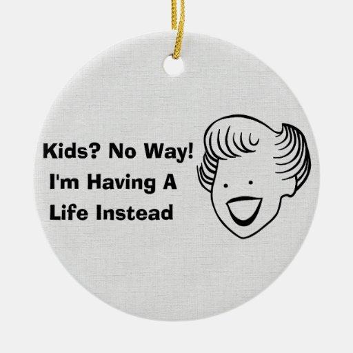 No embroma ninguna manera adorno navideño redondo de cerámica