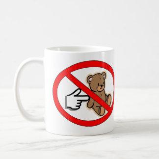 No empuje la taza del oso