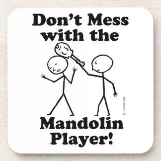 No ensucie con el jugador de la mandolina posavaso