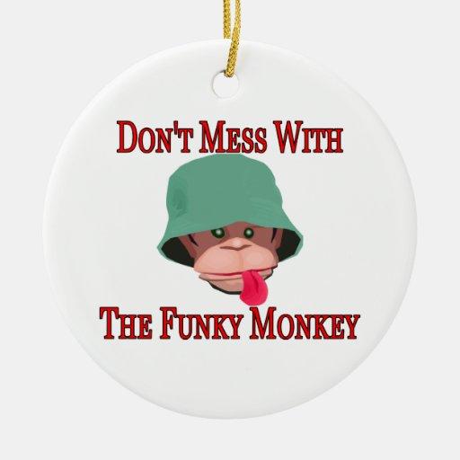 No ensucie con el mono enrrollado adorno redondo de cerámica
