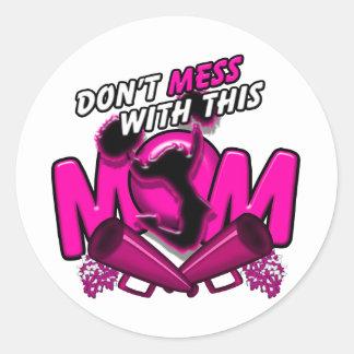 No ensucie con esta mamá de la alegría pegatina redonda