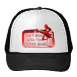 No ensucie con la ropa del rojo del hombre de la g gorras