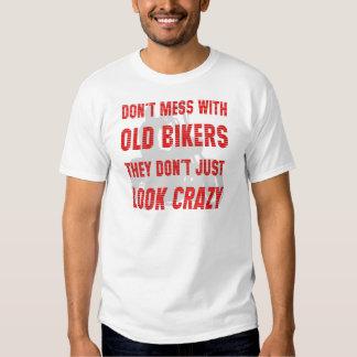 No ensucie con los viejos motoristas que apenas no remera