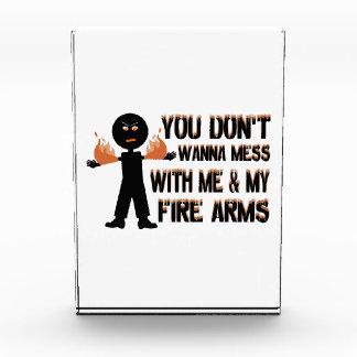No ensucie con mis armas del fuego