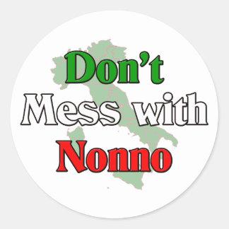 No ensucie con Nonno (el abuelo de Italain) Etiquetas Redondas