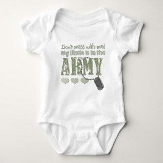 No ensucie conmigo que mi tío está en el ejército playeras