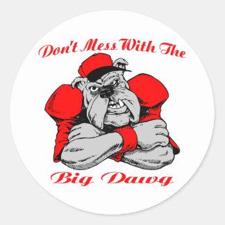 No ensucie el perro grande pegatina redonda
