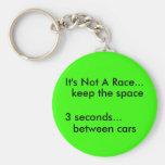 No es una raza…, guarda el espacio, llavero personalizado