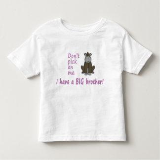 No escoja el gorila de la pequeña hermana playera de bebé