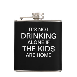 No está bebiendo solamente si los niños son hogar