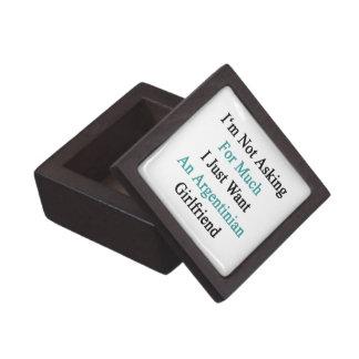 No estoy pidiendo mucho que apenas quiero a un caja de joyas de calidad