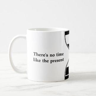 No hay hora como el presente - gráfico simple taza