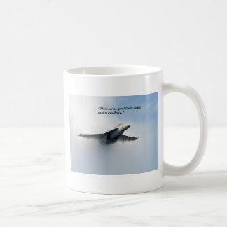 No hay límites de velocidad prendido taza de café