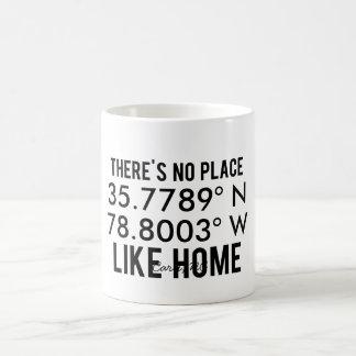 No hay lugar como hogar - latitud y Longitud Taza Clásica