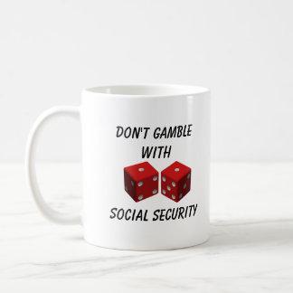 No juegue con Seguridad Social Taza Básica Blanca