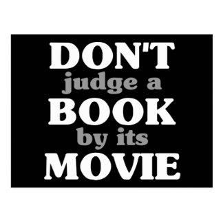 No juzgue un libro por su película tarjetas postales