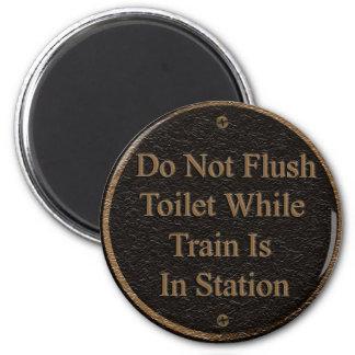 No limpie con un chorro de agua imán de frigorífico