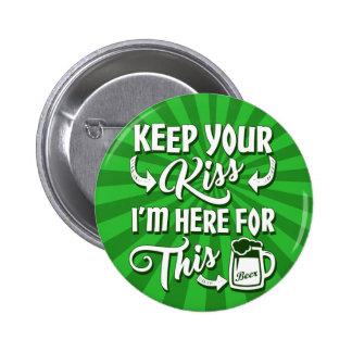 No me bese irlandés divertido pin redondo de 2 pulgadas