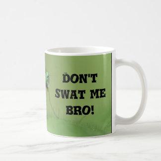 ¡No me golpee con fuerza Bro!  Taza