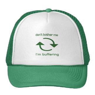 No me moleste - estoy protegiendo (texto verde) gorros bordados