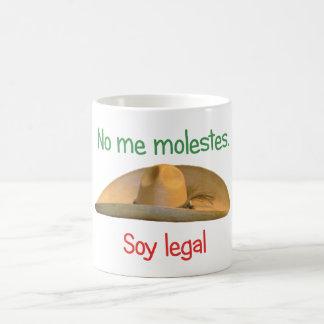 No me molestes. Soy legal. mug