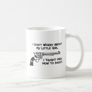 No me preocupo de mi hija taza
