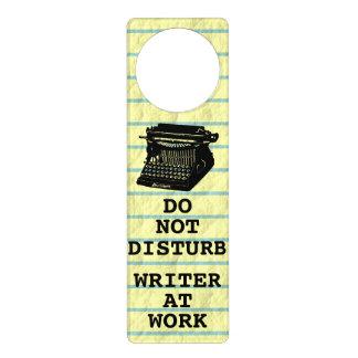 No moleste al escritor en la máquina de escribir d colgante para puerta