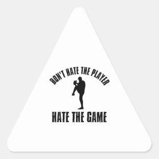 No odie los diseños divertidos del béisbol del pegatina triangular