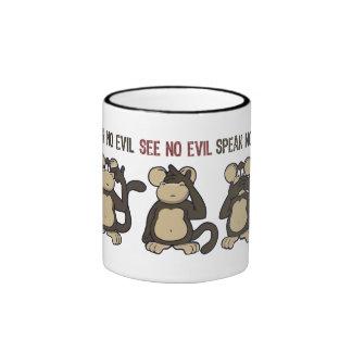 No oiga ningún mono del mal - nuevo taza de dos colores