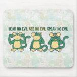 No oiga ningún verde de los monos del mal alfombrilla de ratón