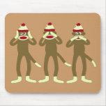 No oiga, vea, hable ningún mono del calcetín del m alfombrillas de ratones