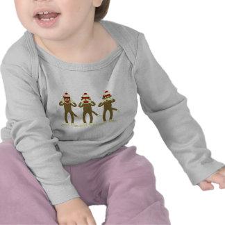 No oiga, vea, hable ningún mono del calcetín del camisetas