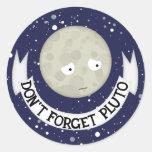 No olvide Plutón Etiquetas Redondas
