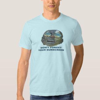 No olvide su camiseta de la protección solar playera