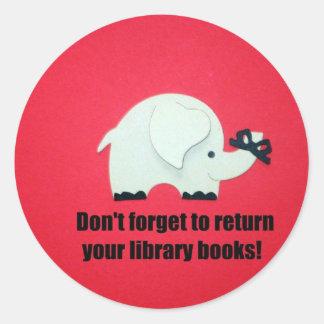 ¡No olvide volver sus libros de la biblioteca! Pegatinas Redondas