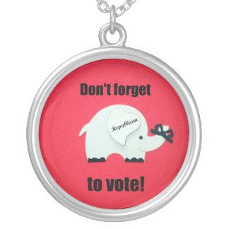 ¡No olvide votar… al republicano! Colgante Redondo