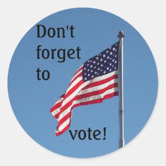¡No olvide votar! pegatinas Pegatina Redonda