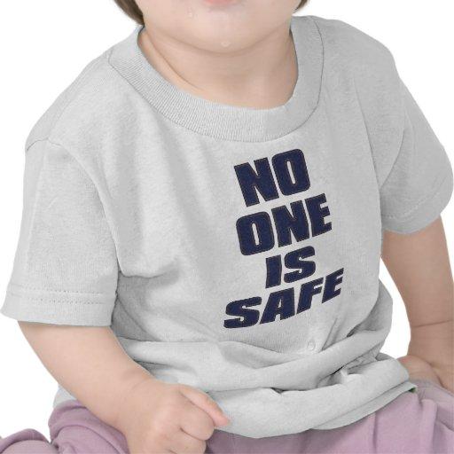 NO_ONE_IS_SAFE CAMISETA