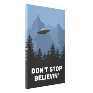 No pare Believin'… (el UFO) Impresión En Lienzo