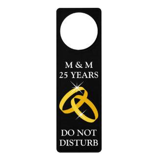 No perturbe la 25ta suspensión de puerta del anive