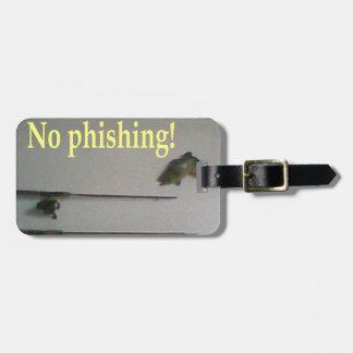 No phishing tag for luggage