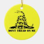 No pise en mí el símbolo de la serpiente de la adorno