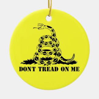 No pise en mí el símbolo de la serpiente de la adorno redondo de cerámica