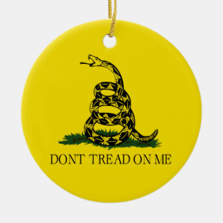 No pise en mí la bandera de Gadsden política Adorno Navideño Redondo De Cerámica