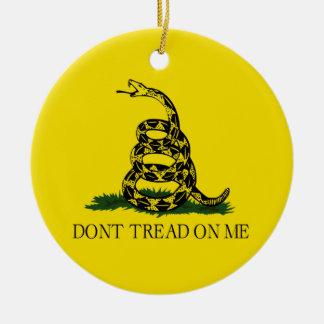 No pise en mí la bandera de Gadsden política Ornamento Para Arbol De Navidad