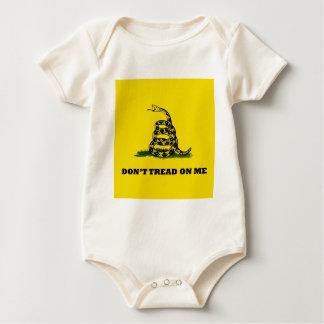 No pise en mí la bandera del gadston body para bebé